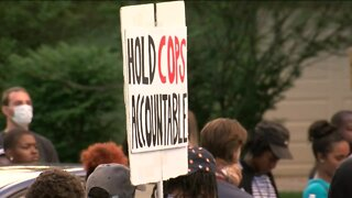 Protesters demand firing of Wauwatosa police officer