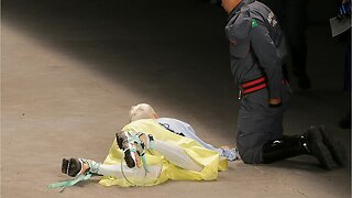 Male Fashion Model Collapses And Dies On Runway