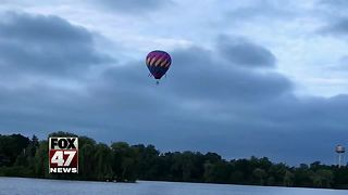 Pilot Escapes Injury After Hot-Air Balloon Catches Fire  - Video