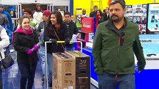 4 Tips to Shop Like a Pro This Holiday Season - Video