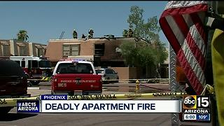 Deadly apartment fire forces several to jump out of their windows - Video