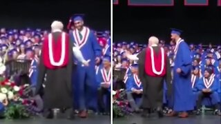 Student totally posterizes his principal at graduation ceremony