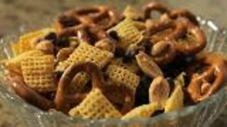 Quick And Easy Recipes: Trail Mix and Fruit Smoothie - Video