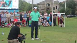 Jordan Spieth Chips Marshmallow Into His Mouth With Golf Club - Video
