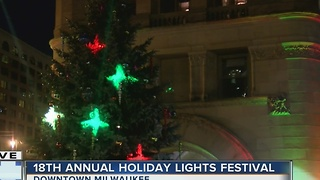 Officials to light MKE Christmas Tree Thursday - Video