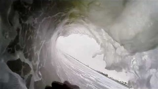 GoPro Captures View From Surfboard on Californian Waves - Video