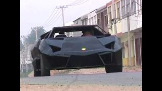 Man Builds Own Lamborghini - Video