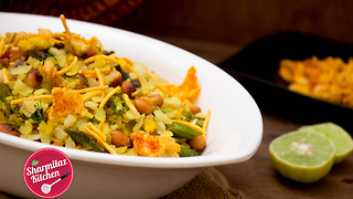 Egg Poha | Popular Indian Breakfast Recipe - Video