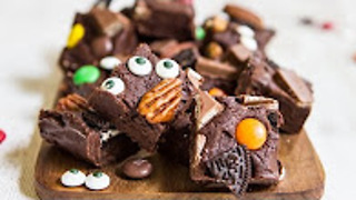 Halloween fudge recipe - Hot chocolate hits - Video
