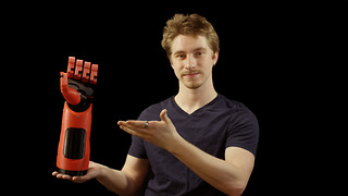 'Phantom Pain' prosthetic hand from 3D printer