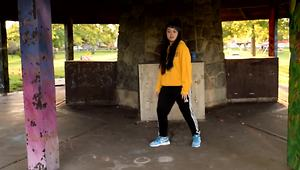 Teenage girl delivers spectacular dance moves - Video
