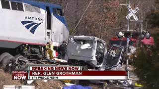 Train carrying lawmakers collides with garbage truck - Video