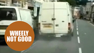 Man filmed tearing up roads by driving with wheel missing - Video