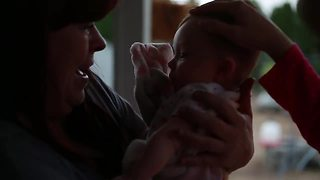 Grandma gets emotional surprise, meets granddaughter for first time - Video