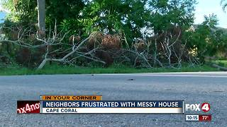 Cape Coral neighbors frustrated with messy house - Video