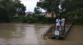 Tens of Thousands Displaced as Floods Hit Western India - Video