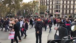 Timelapse of protest in central Barcelona - Video