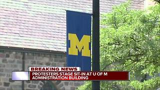 University of Michigan lecturers, students occupy building in Ann Arbor for protest - Video