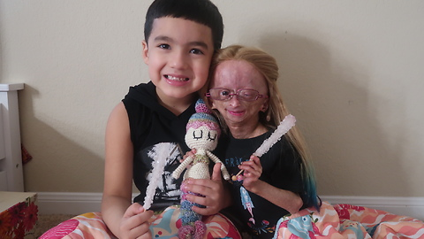 Adalia Rose unboxes 'House of Flynn' gift