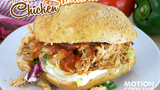 Mouthwatering pulled chicken sandwich - Video