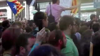 Pro-Independent Protesters Rally in Barcelona Streets - Video