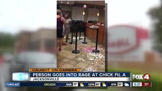 Person goes into rage at Chick-fil-A - Video