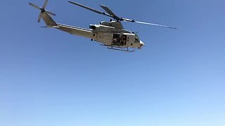 Awesome Footage Of US Marine Corps Helicopter Flyby - Video