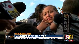 Mother freed after a week in ICE detention - Video