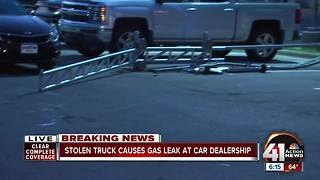 Driver of stolen truck rams gas line in NKC - Video