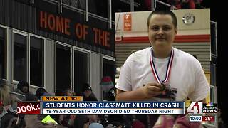 Bonner Springs High School honors student after fatal car crash - Video