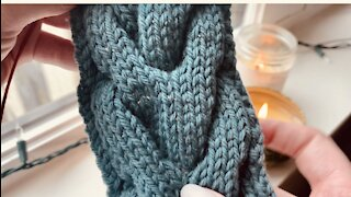 Sunday Stitches - Trophy Cable Stitch