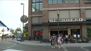 White House task force requests Ohio bars, restaurants close early to slow coronavirus spread