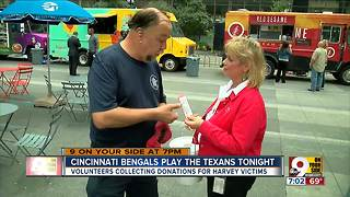 Volunteers collecting donations for Harvey victims - Video