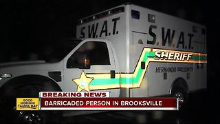 SWAT on scene of barricade situation in Brooksville, nearby residents asked to stay indoors - Video