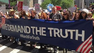 'March For Truth' in New York City Calls for Russia Investigation - Video