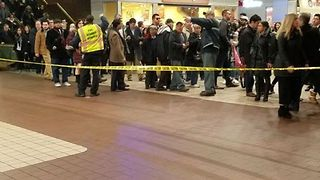 Police Investigate White Substance Found at Port Authority Bus Terminal - Video