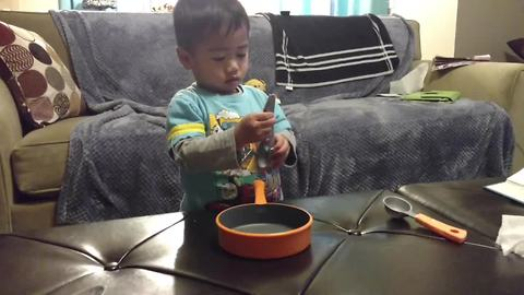Toddler on track to become next Master Chef