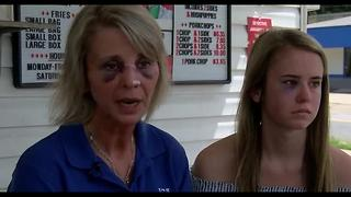 Mother, daughter say cold chicken led to attack at restaurant - Video