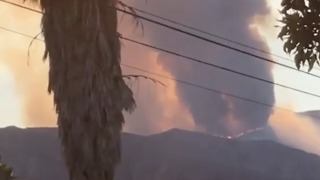 Southern California Wildfire Sends Plumes of Black Smoke Into the Sky - Video