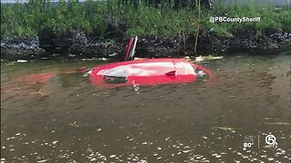 Deputies rescue woman from drowning in sinking car after crash near Boca Raton