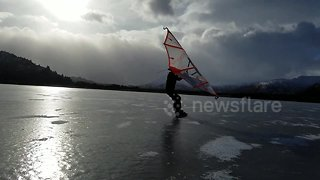Kitewing skating on Alaska's first ice - Video