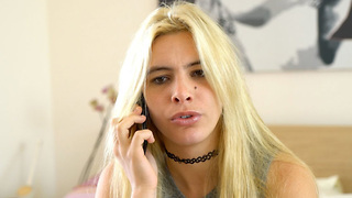 Lele Pons Gives Out Her Cell Phone Number To Fans! Is She Crazy?! - Video