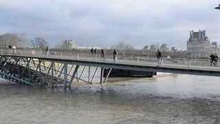 River Seine Water Levels Continue to Rise - Video