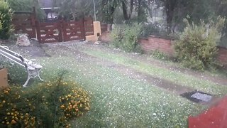 Damage Reported as Heavy Hail Hits Central Argentina - Video