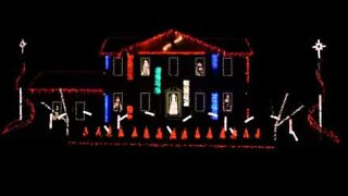 Christmas light show to the sounds of dubstep