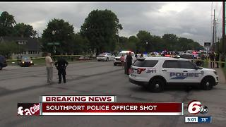 Southport police officer shot - Video