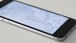 Apple Offering iPhone Home Repairs