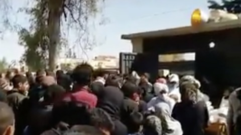 Hundreds Gather at Reception Camps After Evacuations from East Ghouta