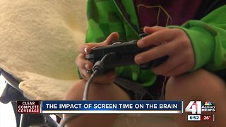 Study: Too much screen time impacts children's brains