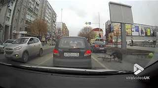 Cyclist cuts through traffic and gets totaled || Viral Video UK - Video